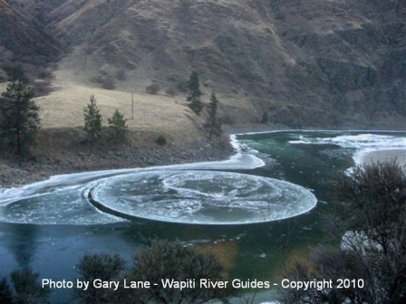 photo of ice circles by Gary Lane - Wapiti River Guides
