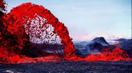 USGS photo of arching Lava fountain in Hawaii