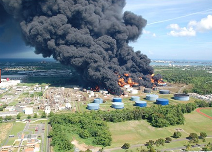 Catano oil refinery explosion and fire in Puerto Rico