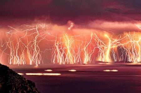 lightning in ikaria photo chris kotsiopoulos