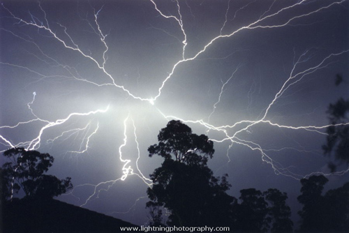 lightning photo by lightningphotography.com