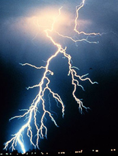 lightning photo by NOAA