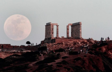 supermoon athens greece 2012 photo AP dimitri messinis
